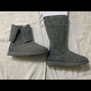 SO Sweater Boots